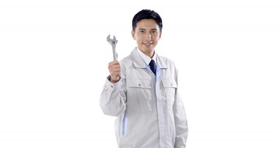作業服を着たカギ開け業者